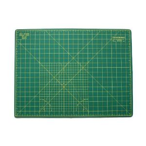 "Quilted Bear Self Healing Double Sided Quilting Cutting Mat Green 17"" x 23"" (45cm x 60cm)"