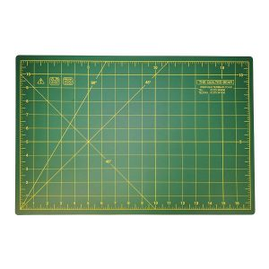 "Quilted Bear Self Healing Double Sided Quilting Cutting Mat Green 11"" x 17"" (28cm x 43cm)"